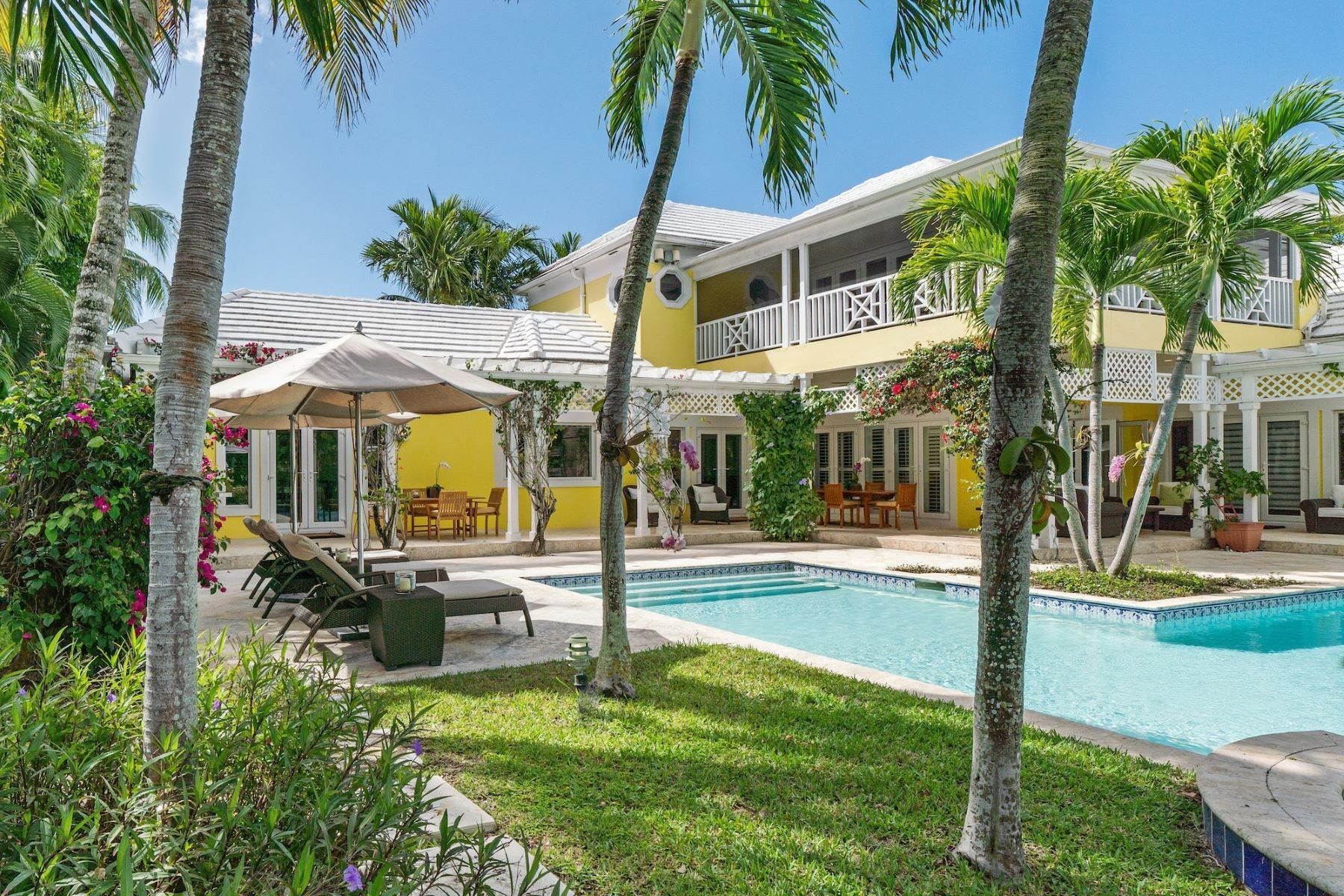 Single Family Homes à Maison Yellow, Lyford Cay Lyford Cay, New Providence/Nassau Bahamas