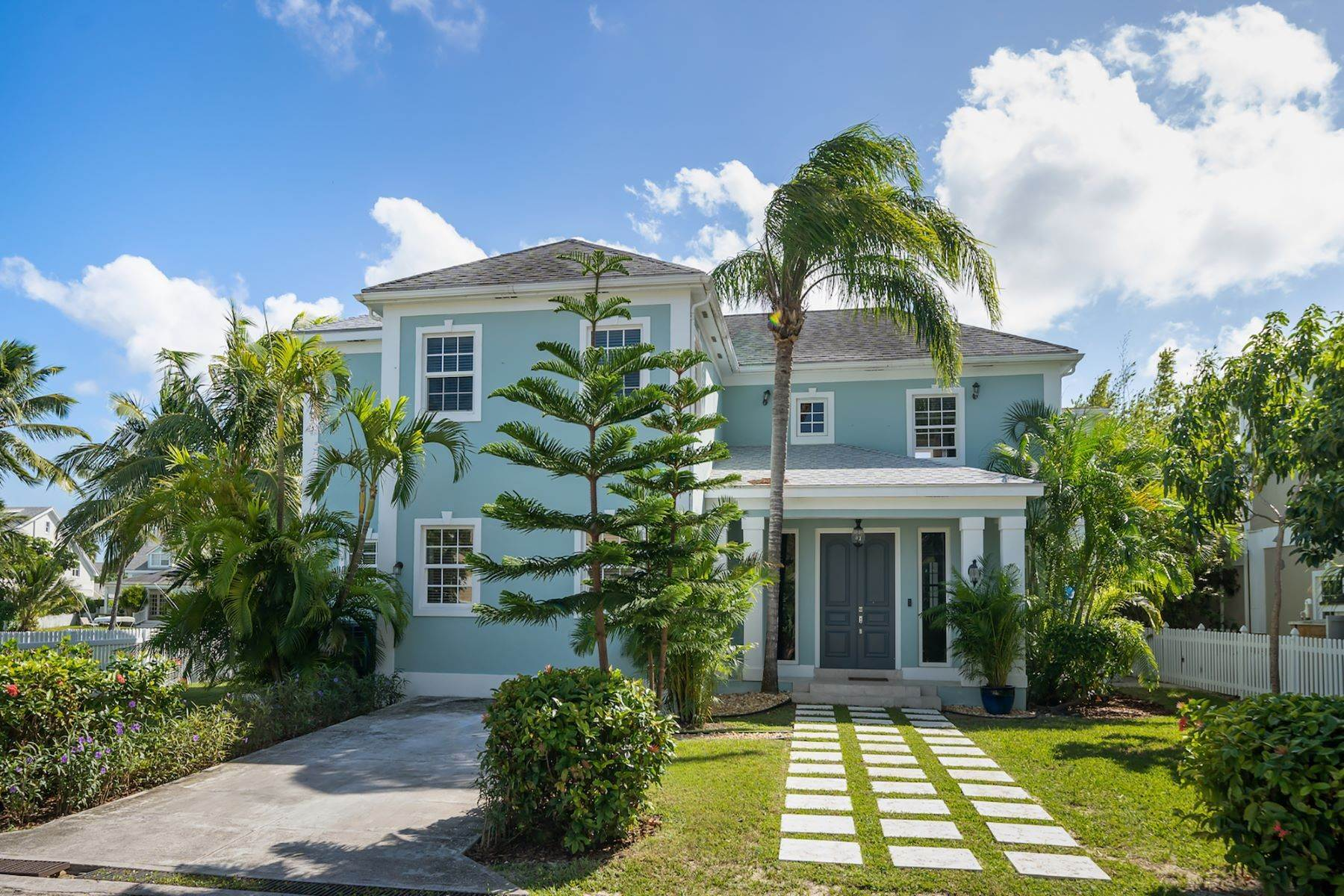 Single Family Homes for Sale at 12 Sand Dollar Island, Sandyport Sandyport, Cable Beach, Nassau And Paradise Island Bahamas