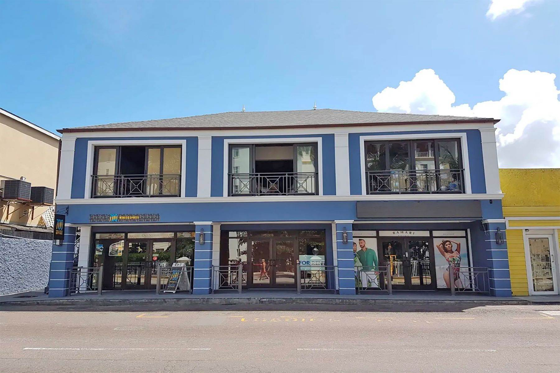 Commercial pour l Vente à Downtown Commercial Building off Marlborough Street Downtown, New Providence/Nassau Bahamas